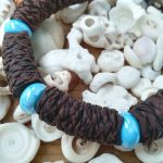 collar de cuero boho con semillas, collar estilo africano, choker etnico