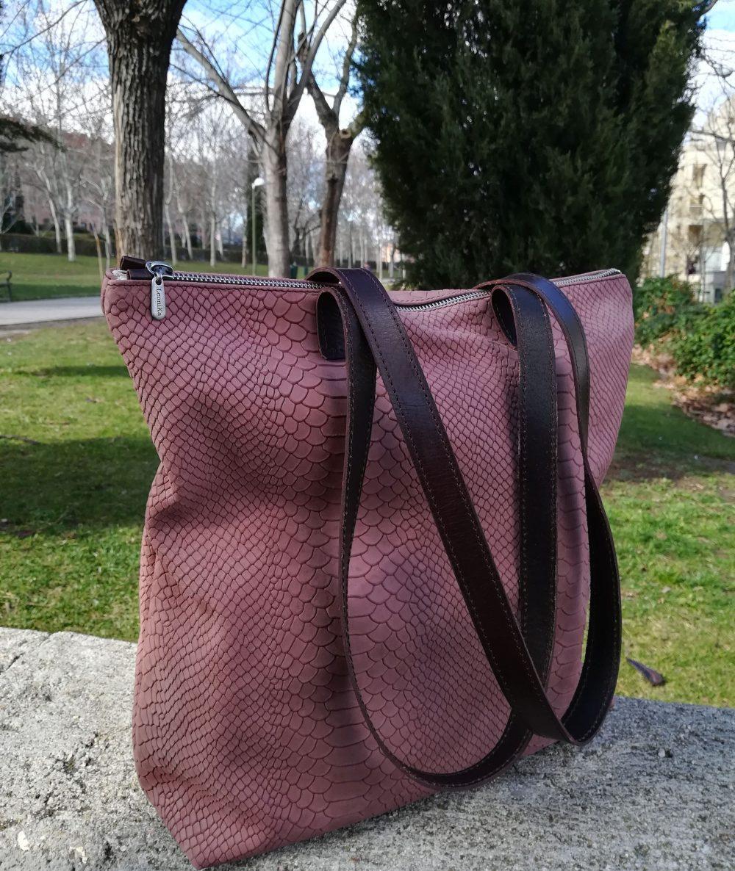 tote de cuero rosa , bolso con capacidad artesanal, bolso de moda marron estilo boho, bolso barato , bandolera original con animal print, regalo para mujer