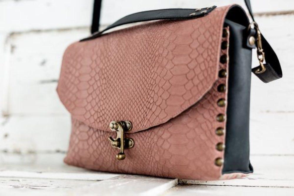 bolso baul rosa artesanal, bolso rosa nude