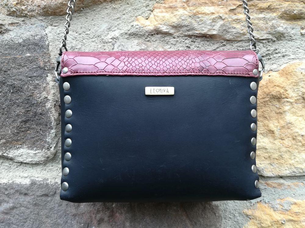 bolso artesanao cuadrado negro bolso de piel artesanal rojo granate vintage leonikapiel leonika